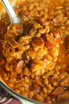 Ultimate Baked Beans with Smoked Sausage - Recipes to Cook Smoked Sausage Recipes, Baked Bean Recipes, Vegan Recipes Easy, Cooking Recipes, Beans Recipes, Bacon Sausage, Dog Recipes, Chicken Recipes, Grains