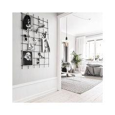 ◻  .  .  .  .  #architecture #architecturalphotography #decorating #living #decor #home #minimalism #minimal #designfurniture #studio #designlovers #minimalista #minimaldesign #minimalistdesign #livingroom Minimal Design, Furniture Design, Gallery Wall, Living Room, Architecture, Photos, Home Decor, Dining, Environment