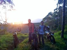 Sunset in manglayang mountain!  #sunset #motortrail #motorcross #lanscapephotography #lanscape