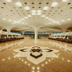 Top Indian Airports that put others to shame!   Mumbai, known as the Bollywood and financial hub of India, also has a super amazing airport facility – the Chhatrapati Shivaji International Airport. Take a look!  #Airports #IndianAirports #ChhatrapatiShivajiInternationalAirport #Mumbai #travel #trip #tour #India #World'sBest #Top5Airports #summer #summerbreak #yolo #usa #college #students #losangeles #UCLAUniversityofSouthernCalifornia