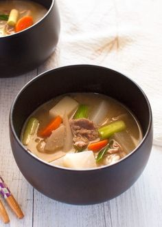 Tonjiru (豚汁) is a hearty miso soup with pork slices and vegetables. Packed with loads of vegetables and pork, tonjiru is quite filling but not high calorie. Asian Recipes, Real Food Recipes, Healthy Recipes, Asian Foods, Pork Recipes, Cheap Clean Eating, Clean Eating Snacks, Eating Healthy, Japanese Dishes