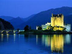 Eilean Donan Castle, Loch Duich, Scotland.jpg