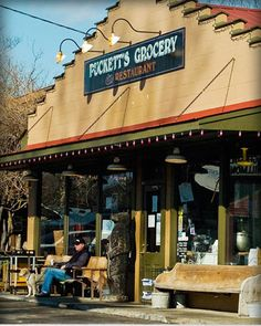 Puckett's Grocery & Restaurant in Leipers Fork (Franklin), Tennessee. It is located just a few miles from Wynonna's house and she has been known to drop in with her husband Cactus Moser (also her drummer) and perform. Nashville Restaurants, Nashville Trip, Great Restaurants, Places To Eat, The Places Youll Go, Great Places, Franklin Tennessee, Nashville Tennessee, East Tennessee