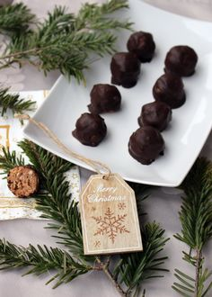 Allergy Free, Truffles, Allergies, Food And Drink, Merry, Vegetarian, Yummy Food, Place Card Holders, Snacks