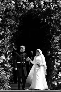 On May Prince Harry had us all weak in the knees with his lip biting, and Meghan Markle stunned everyone in her gorgeous Givenchy wedding dress Harry And Meghan Wedding, Harry Wedding, Prince Harry And Meghan, Hi Low Wedding Dress, Wedding Dresses, Cambridge, Givenchy Wedding Dress, Vip Dress, Prinz Harry