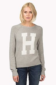 The Fola sweater is made from a cotton-merino blend in a super smooth flat knit with a slightly raised knit 'H' on the front. Ribbed cuffs, hem and neck. Small Tommy Hilfiger metal charm on left sleeve.<br/><br/>Our model is 1.76m and is wearing a size S sweater.