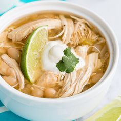 There is nothing better to warm you up than a bowl of delicious slow cooker chicken chili. This [...]