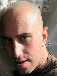 Low Fade Haircut, Bald Men, Bald Heads, Handsome Boys, Sexy Men, Hot Guys, Eye Candy, Shaved Heads, Hair Cuts