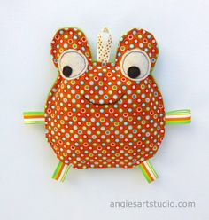 Fred the Frog Crinkle Toy  Great Unisex Baby by angiebabygifts