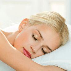 Kalitesiz uyku; yüksek tansiyon, kalpte ritim bozuklukları, felç veya ani gece ölümlerine de neden olabilir. bit.ly/working-mother-tr-uyku-apnesi #uykuapnesi #uyku #WorkingMotherTR
