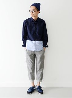 The oversized and more relaxed fit for bottoms is resurrecting. Japan is bring relaxed chic back!