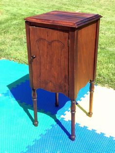 ANTIQUE/VTG WOOD GALVANIZED HUMIDOR CIGAR/PIPE SMOKING CABINET STAND END-TABLE