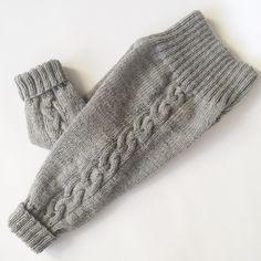 «| Teststrikkere søkes | Kjære strikkevenner, Jeg trenger teststrikkere til Gullfoss bukse i str. (6) mnd og str. 2 år. Buksen strikkes i Tynn Merinoull…»
