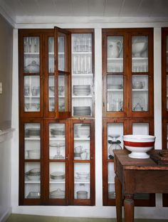 Small Space Solutions: Recessed Storage--could we incorporate this into our plank wall redo for linen storage? room ideas with china cabinet Small Space Solutions: Recessed Storage Dining Room Storage, Kitchen Storage, Dish Storage, Kitchen Cupboards, Pantry Storage, Pantry Cabinets, Pantry Doors, Linen Storage, Kitchen Pantry