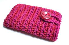 Dark pink and cherry red handmade crochet ipod iphone case cozy to keep your awesome music collection or phone nice, safe and stylish. MEMBER - knotworkshop