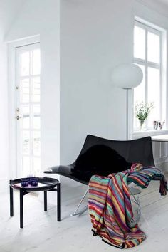 Stingray rocking chair by Thomas Pedersen - a super comfortable piece of furniture for your livingroom. Via femina.dk