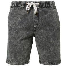 Schwarze #Shorts mit #Waschung, ein cooler lässiger Look! ab 34,95€ Hier kaufen: http://stylefru.it/s138121 #schwarz #batik