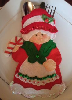 Felt Christmas Decorations, Felt Christmas Ornaments, Easy Christmas Crafts, Christmas Sewing, Simple Christmas, Christmas Themes, Christmas Stockings, Holiday Decor, Noel Gifts