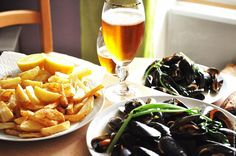 Two of the best things: moules frites & a Belgian beer