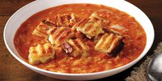 Tomato Soup and Grilled Cheese Croutons Easy Tomato Soup with Orzo! Absolutely delicious with the grilled cheese croutons!Easy Tomato Soup with Orzo! Absolutely delicious with the grilled cheese croutons! Orzo, Crouton Recipes, Tomato Soup Recipes, Tomato Soup Grilled Cheese, Spinach Soup, Grill Dessert, Food Network Recipes, Cooking Recipes, Onions