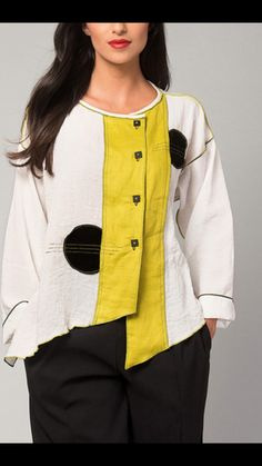 White with black and yellow accents. Sewing Clothes, Diy Clothes, Diy Fashion, Fashion Outfits, Womens Fashion, Linen Dresses, Refashion, Mantel, Yellow Accents