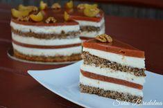 Hozzávalók cm): Diós alap: 2 tojás 5 ek tej 75 g liszt 75 g dió 5 g sütőpor Hungarian Desserts, Hungarian Cake, Hungarian Recipes, Hungarian Food, Mousse Cake, Dessert Table, No Bake Cake, Fall Recipes, Vanilla Cake