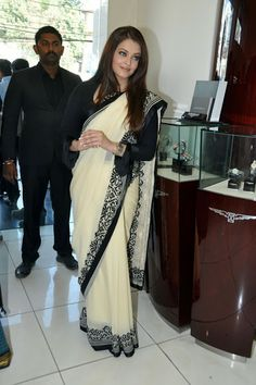 This cream and black aishwarya rai saree looks awesome and the main key feature of the saree is the heavy embroidery on this saree which makes the saree more beautiful when you wear it.