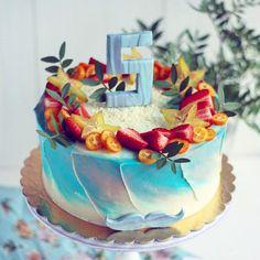 Акварельный торт. Внутри классический бисквит, творожный крем и ананасы. Автор instagram.com/ellina_selezneva