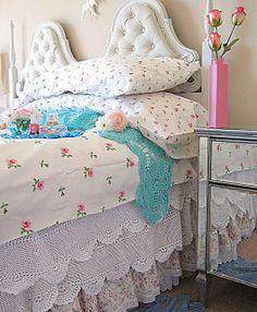 Vintageandart - love the sheets