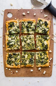 Spinach Tart, Spinach Puff Pastry, Puff Pastry Pizza, Puff Pastry Recipes, Spinach And Feta, Puff Pastries, Cheese Pastry, Breakfast Puff Pastry, Breakfast Pizza