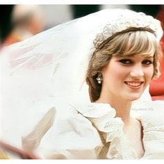 Princess Diana Wedding, Princess Of Wales, Heart Pictures, Lady Diana Spencer, Princesa Diana, Marriage Life, Queen Of Hearts, Wedding Day, Woman