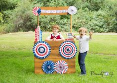 4th of July mini session, firework stand, mini session ideas, 4th of July session idea, 4th of July photography, mini session, mini session idea, summer mini session, summer session, summer photography, photography ideas, photography inspiration, Brandy Yi Photography