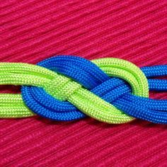Tie a Celtic Navy Knot for a Bracelet