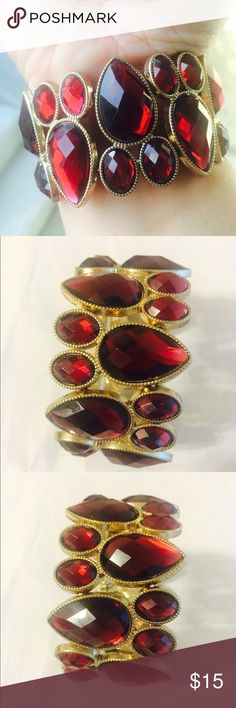 Maroon and Gold ⚡️ stunning cuff bracelet This bracelet is glam. It is classy and rich. Very good quality. Brand new item. Maheroo Jewelry Bracelets