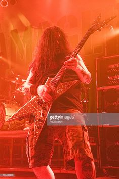 American music group Damageplan performs on stage at the House of Blues, Chicago, Illinois, April Pictured is Dimebag Darrell (born Darrell Lance Abbott, 1966 - Dimebag Darrell, Paul Abbott, Vinnie Paul, Blues, Funny Tattoos, Wedding Tattoos, Celebration Quotes, Orphan Black, Pink Floyd