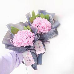 . . #flower #wedding #bouquet #florist #feltflower #feltflorist #feltbouquet #feltsunflower #bungaflanel #bungaflaneljogja #bungawisuda #bungawisudajogja #bungajogja #bouquetbunga #bouquetjogja #bungakertas #paperflower #buketbunga #makersgonnamake #buketpernikahaan #weddingflowers #bridesmaid #bridestory