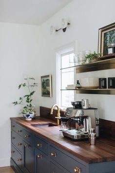 Classic House, Modern Classic, Home Design, Interior Design, Layout Design, Design Ideas, Coffee Bar Design, Coffee Bars In Kitchen, Stoff Design