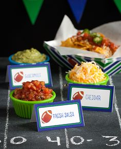 Make your annual Super Bowl party truly epic this year by hosting your own Nacho Bar. It's easy to set up and prep ahead of time and guests can enjoy Nacho Bar Party, Super Bowl Party, Tapas, Super Bowl Essen, Easy Party Food, Partys, Snacks, Appetizer Recipes, Party Appetizers