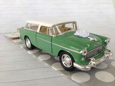 Geldgeschenk zur Hochzeit, Hochzeitsauto Oldtimer, Vintage, Retro, 60er Jahre http://de.dawanda.com/product/107622115-hochzeitsauto-chevrolet-nomad-gruen-geldgeschenk