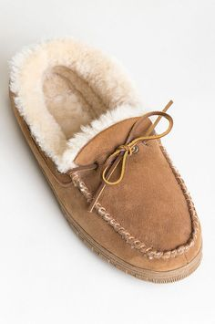 Uggs are not only the most loved but also the most controversial boots on the market. Sheepskin Slippers, Sheepskin Boots, Ugg Style Boots, Ugg Boots, Leather Moccasins, Leather Boots, Wool Shoes, Doc Martens Boots, Vegan Boots