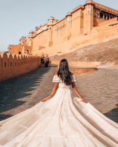Jaipur Travel, India Travel, Shadow Photography, Photography Poses, Fashion Photography, Indian Photoshoot, Photoshoot Ideas, Amer Fort, Instagram Story Ideas