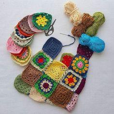 Düşündüm düşündüm ne yazsam bulamadım  - - - -  #yarn #hakeln #crocheting #crochetaddict #elişi #tığişi #yarnaddict #handmade #hobi #crochetlover #hekling #hooking #croche #virka #virking #haken #knitting #addicting #crochet #crochetwear #crocheter #croche #yelek #örgü #örgüyelek #hirka #grannysquare #bohem #hippie #pachwork