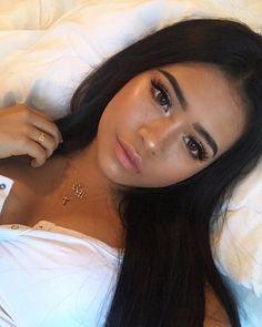 Gorgeous Makeup: Tips and Tricks With Eye Makeup and Eyeshadow – Makeup Design Ideas Makeup Inspo, Makeup Inspiration, Makeup Tips, Eye Makeup, Makeup Ideas, Makeup Hacks, Makeup Brushes, Dewy Skin Makeup, Dark Makeup