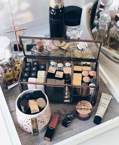 58 Best Ideas For Makeup Storage Desk Lights Makeup Storage Shelves, Makeup Storage Organization, Make Up Storage, Diy Storage, Storage Ideas, Beauty Make Up, Beauty Care, Beauty Skin, Rangement Makeup