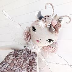 ☆ SOLD ☆ || DETAILS || Madame Butterfly has a floral corsage that can be worn as a neckpiece or a crown...for fairy special occasions. ☺️  There is only one of this 75cm Lola Doll and she is available for immediate shipping. Link in profile  . . #madamebutterfly #lola #largelola #fairy #princess #pink #girl #heirloomdoll #ooak #bespoke #handmadetoy #butterfly #theselittletreasures #keepsakegift #fairy #fairydoll
