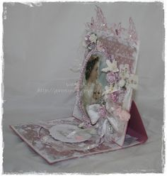 Gunns Papirpyssel, staffeli kort, card, dåp, baptism, vintage, chabby chic, scrapbooking, scrapping, Maja Design, papirbretting, paperfolding, papir, paper