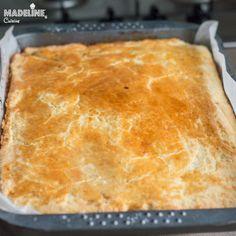Placinta frageda cu gutui / Tender crust quince pie - Madeline's Cuisine Quince Pie, Jacque Pepin, Sour Cream, Cornbread, Yogurt, Smoothie, Cooking, Ethnic Recipes, Desserts