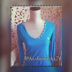 """NWT Aeropostale Stretch Blue Top Shirt Aeropostale •Blue •long sleeve •stretchy •NWT • 93% cotton 7% spandex arm approx 17.5"""" •button accents on V neckline • top to hem approx 26"""" • approx •15"""" across laying flat Aeropostale Tops Tees - Long Sleeve"""