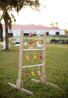 14 Wedding Games to Entertain Your Guests! Wedding Yard Games, Wedding Themes, Wedding Colors, Wedding Venues, Wedding Decorations, Wedding Goals, Wedding Tips, Wedding Details, Wedding Planning