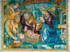 Estremoz – Mercado de Sábado (1940). Painel azulejar policromático da autoria de Alves de Sá (1878-1972), fabricado na Fábrica de Cerâmica da Viúva Lamego, em Lisboa. Estação da CP em Estremoz.POST DA ÉPOCA (Visualise aqui)